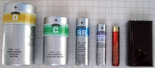 6_most_common_battery_types : D, C, AA, AAA, AAAA and 9V (PP3) batteries