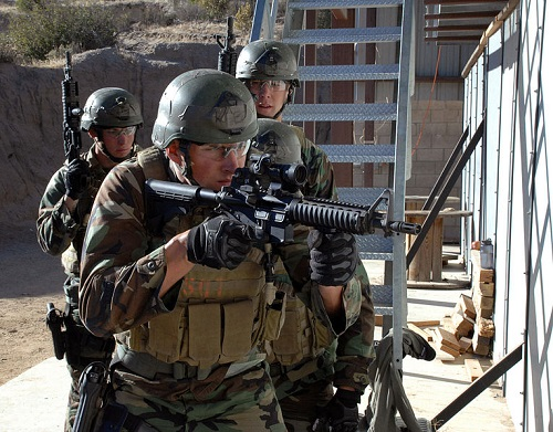 SEAL_trainees in CQB training