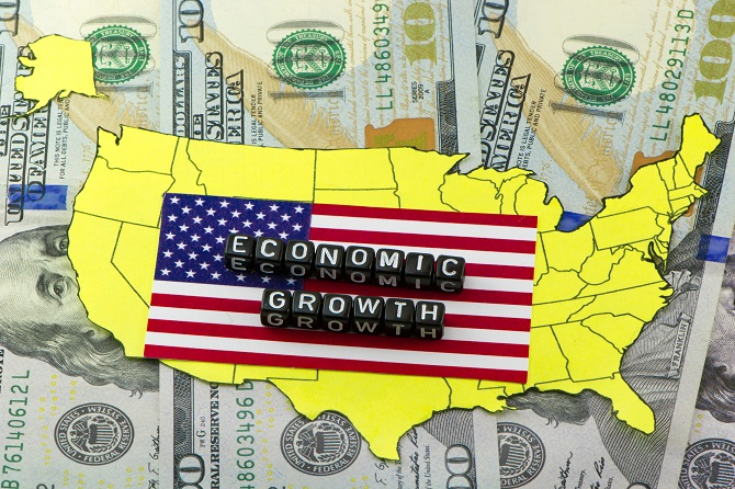 Economic Growth word on US flag and map